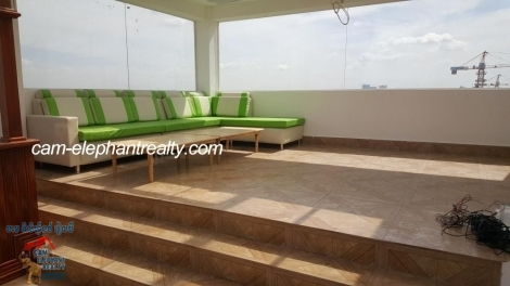 New Western Apartment 1Bed $300/month Skybar rooftop Toul Kork