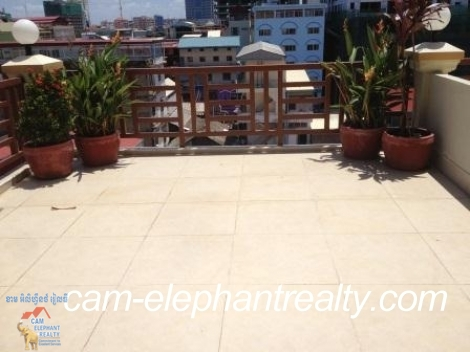 Large Beautiful Balcony Apt in BKK1 for Rent,1BR