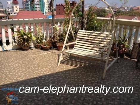 Nice Balcony Apartment near Sorya Mall for Rent,2BR