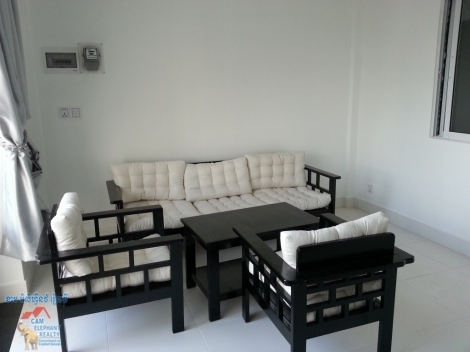 Nice Terrace&big balcony Apartment 2bed $480/month Russian Market