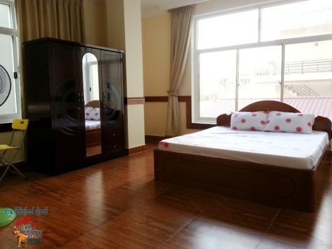 Western Apartment 3beds Unit $700/month Free wifi, car parking, BKK3