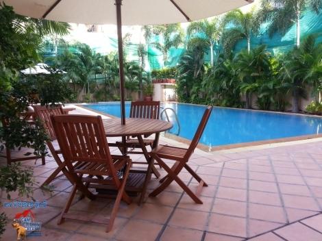 Pool Service Apartment 1-2bed Unit $700-1100/month Toul Kork