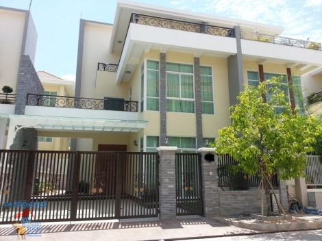 Perfectly located Western Villa Tonle Basac