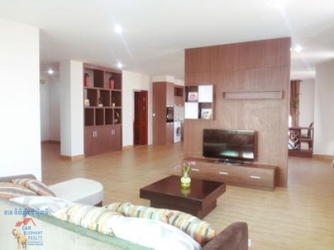 12th floor Penthouse Service Apartment 3beds Unit $2500/month