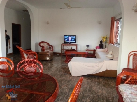 **Very nice & large Unit apartment 4beds furnished $1200/month nego