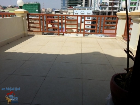 Nice Terrace Western Apartment 1bed Unit $550/month Free wifi, BKK1