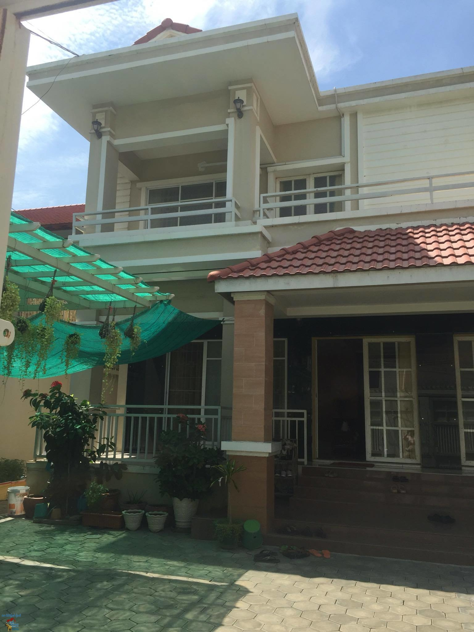 Twin Villa 3Bed $1000/month South Russian Market