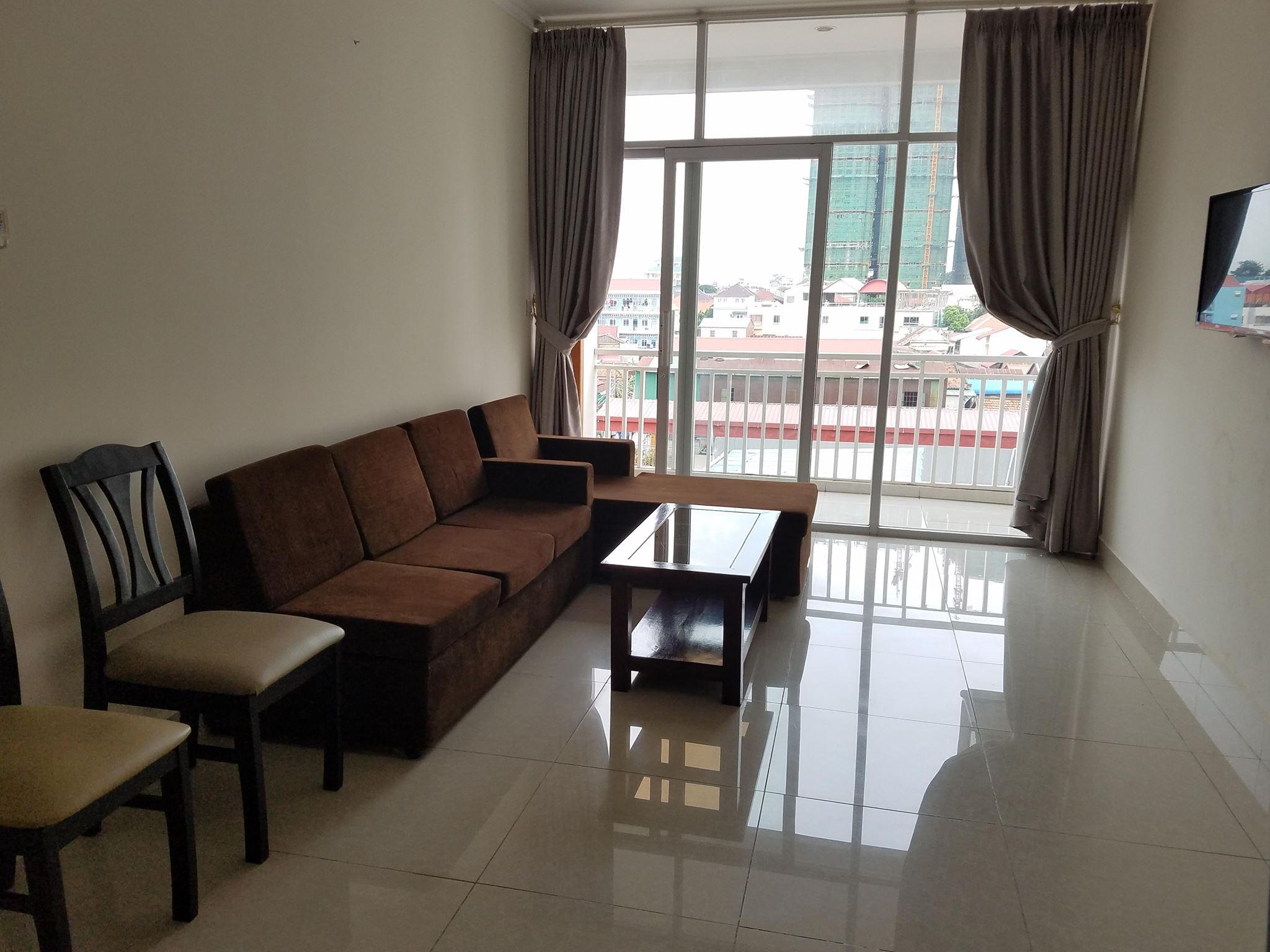 Western Apartment Big 2bed Unit full of light parking Boeng Trabek