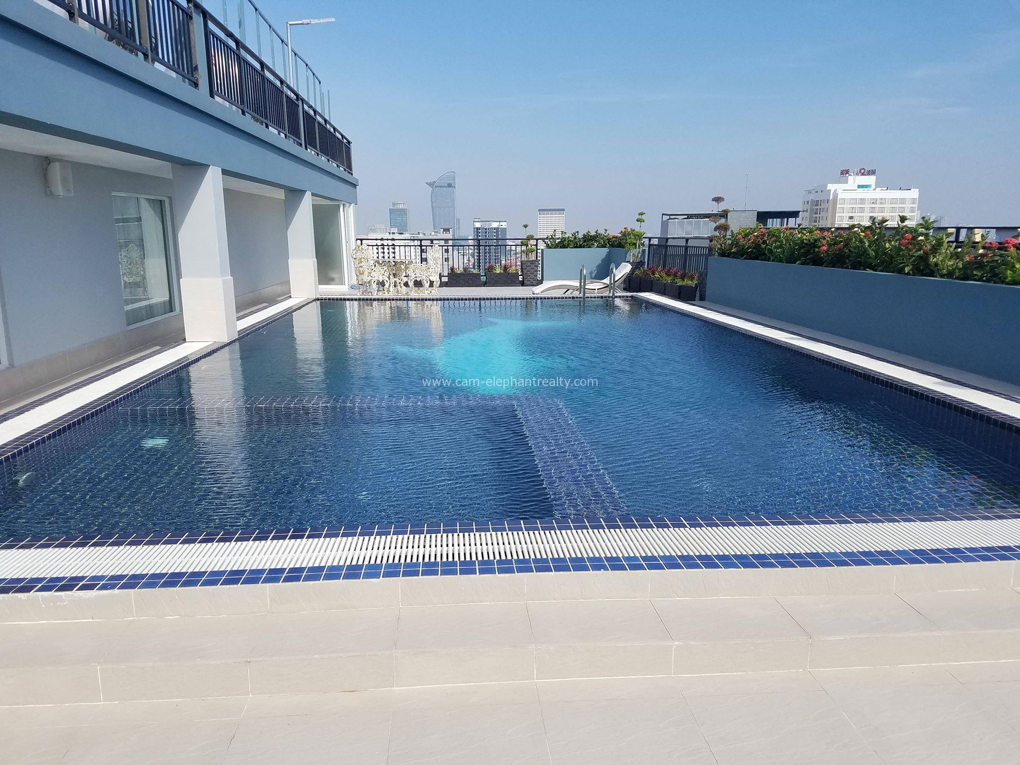 Brand New Rooftop Pool Serviced Apartment 2Bed **large unit BKK1