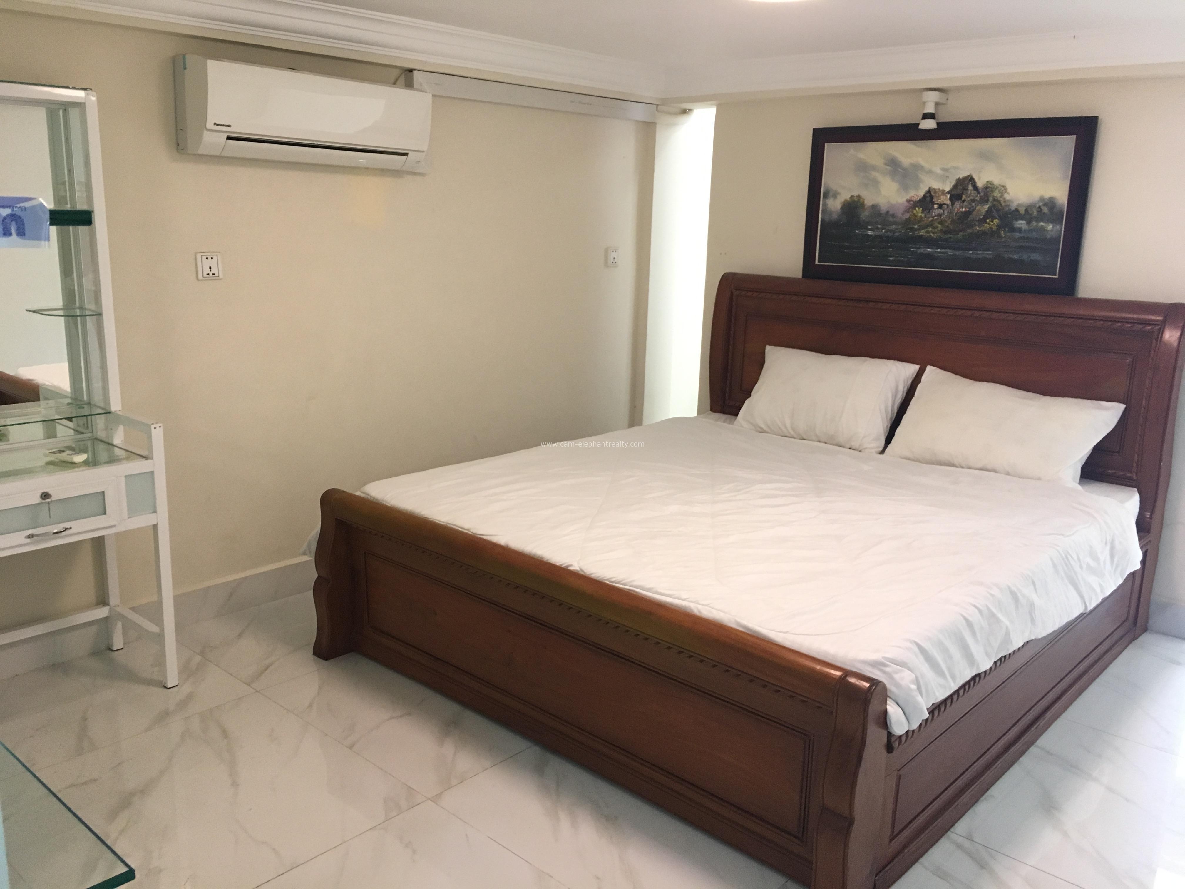 Phnom Penh Beautiful Western Apartment Rental in BKK3,1bedroom