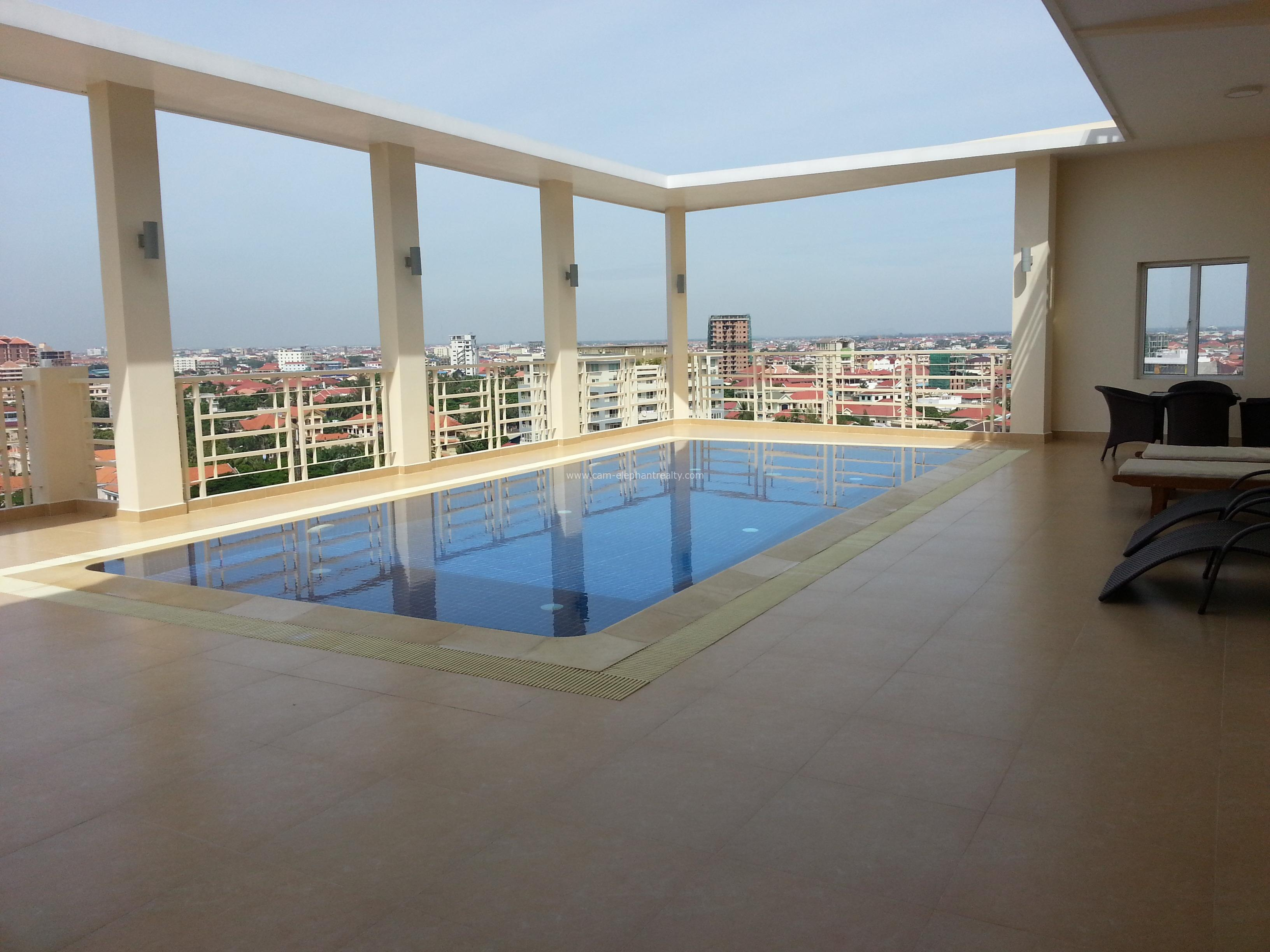 Pool Serviced Apartment 1bedroom *large size $580/month Toul Kork