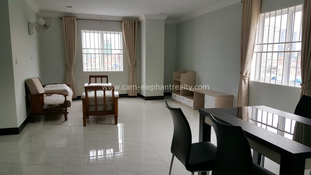 Gym Serviced Apartment 2Bedrooms $600/month BKK2