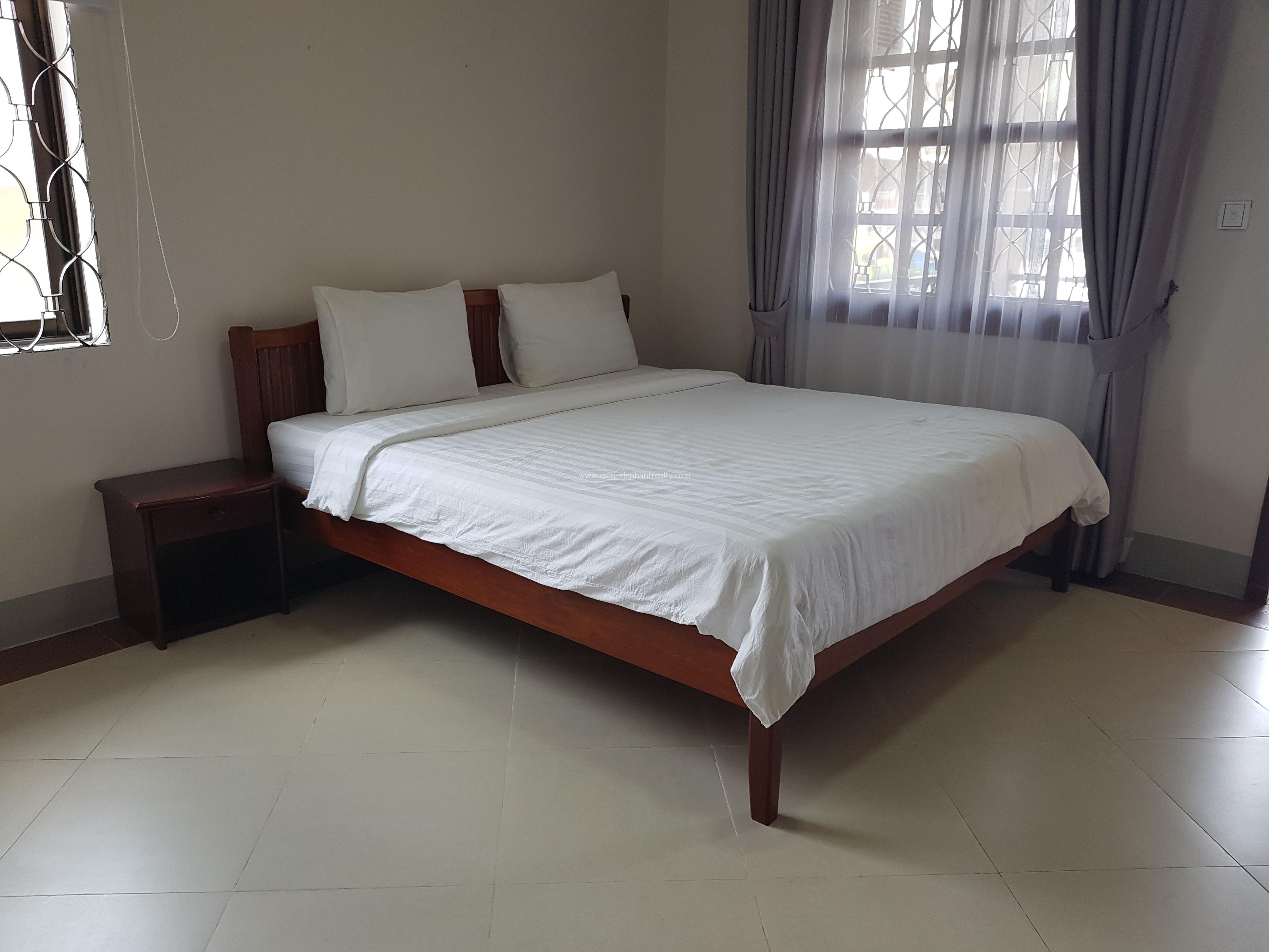Western Apartment 1Bedroom **elevator Parking $410/month BKK2