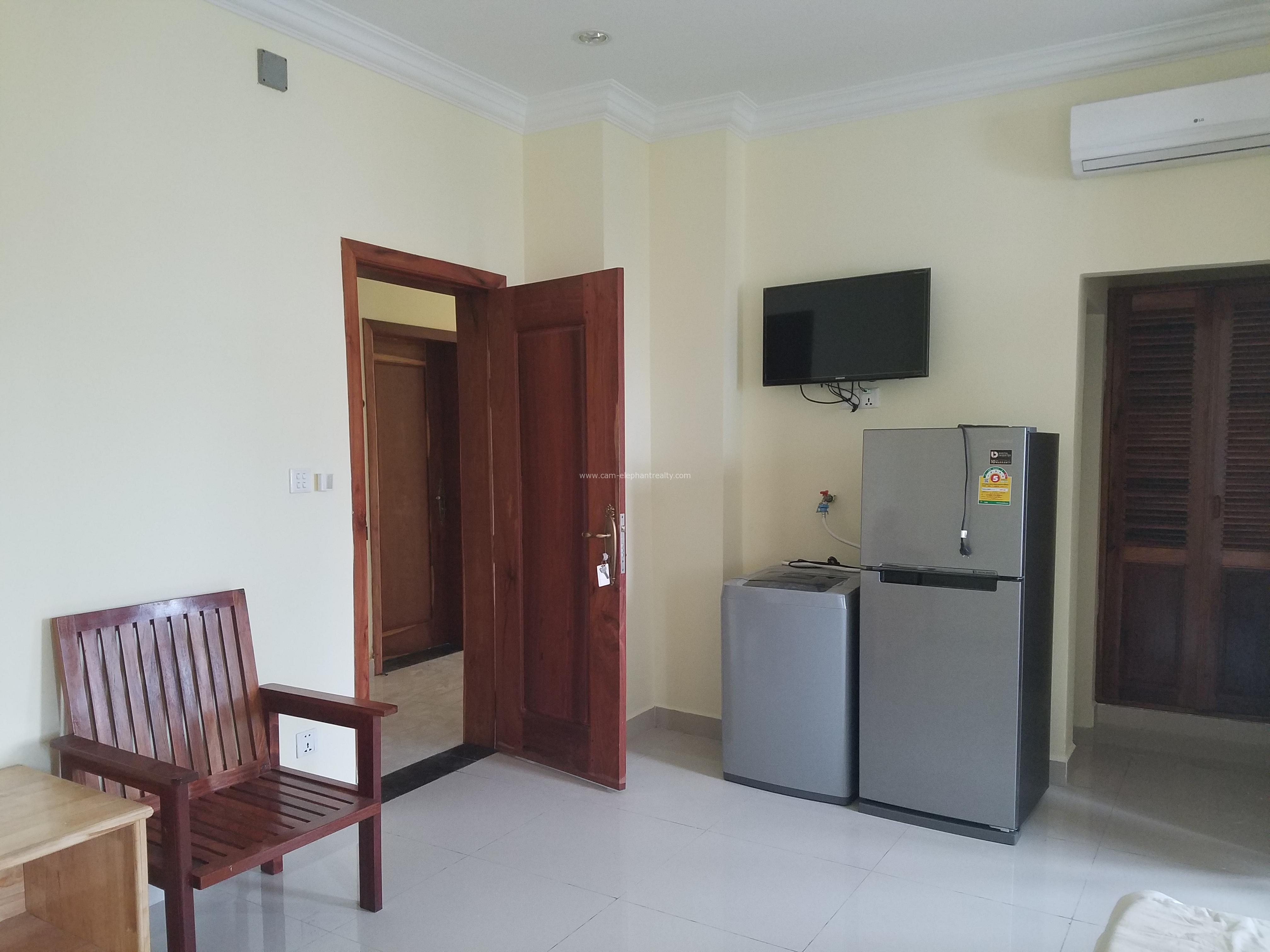 **elevator Furnished Apartment 1Bedroom $300/month Russian Market