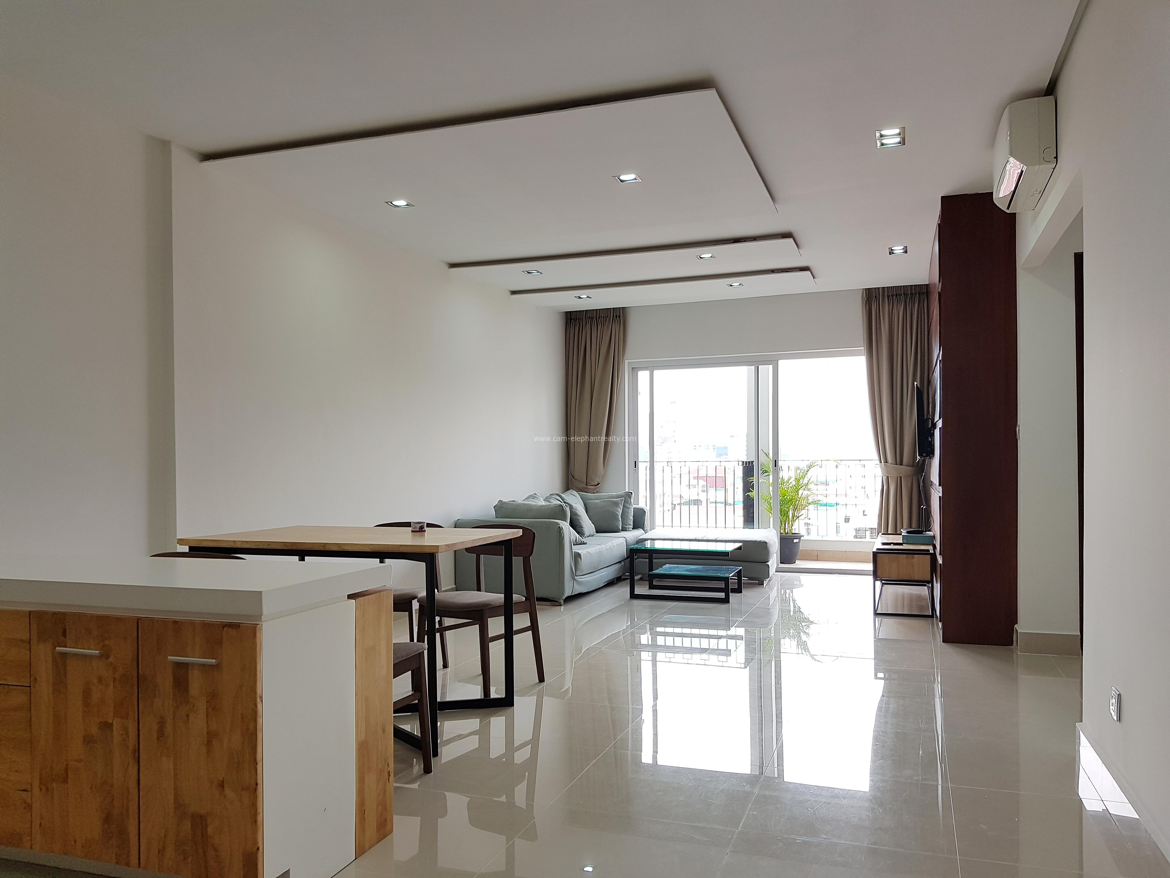Beautiful Western Serviced Apartment 2bedrooms **spacious unit **elevator BKK3
