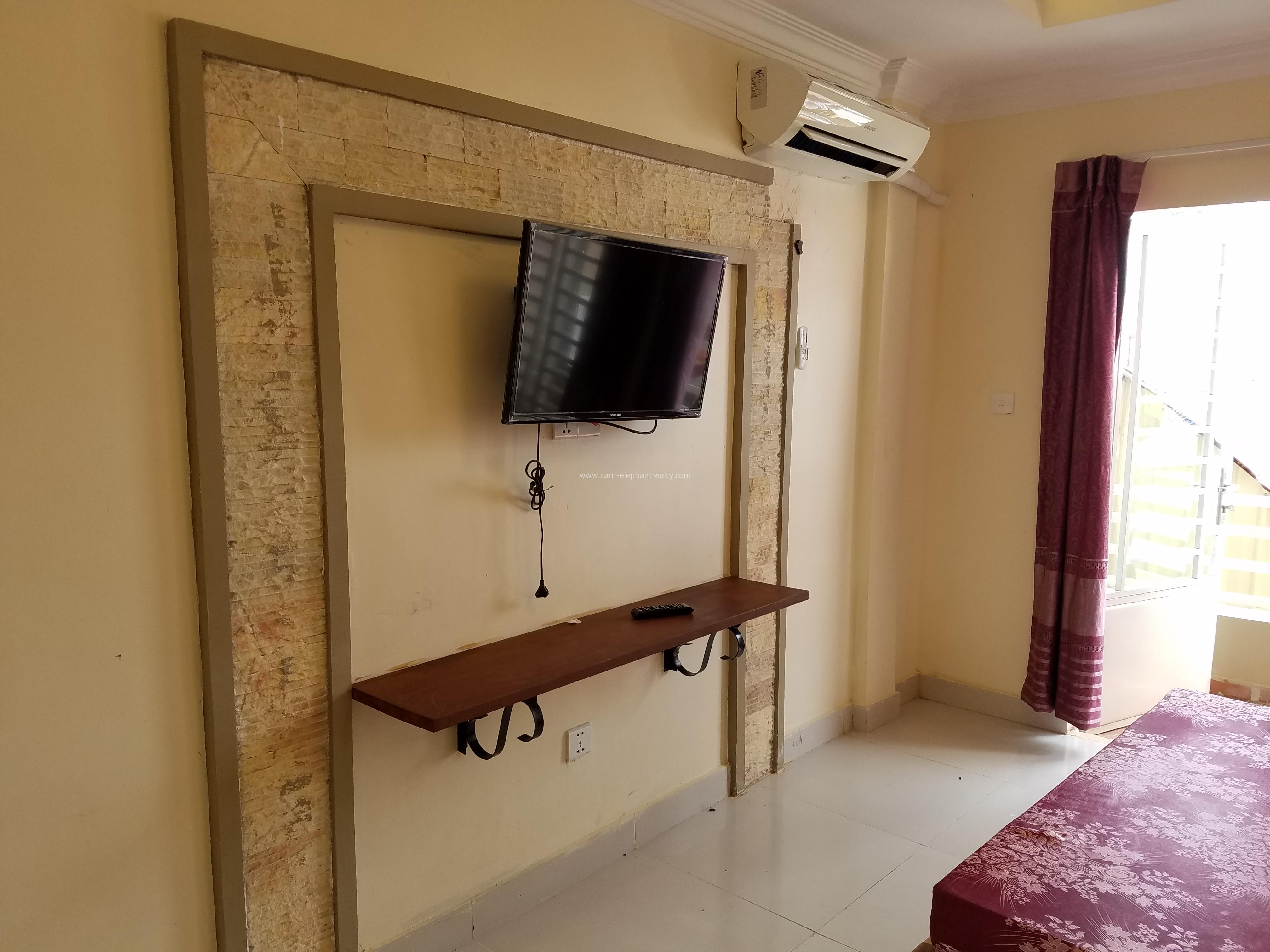 Very Clean Furnished Studio Apartment $200/month BKK3