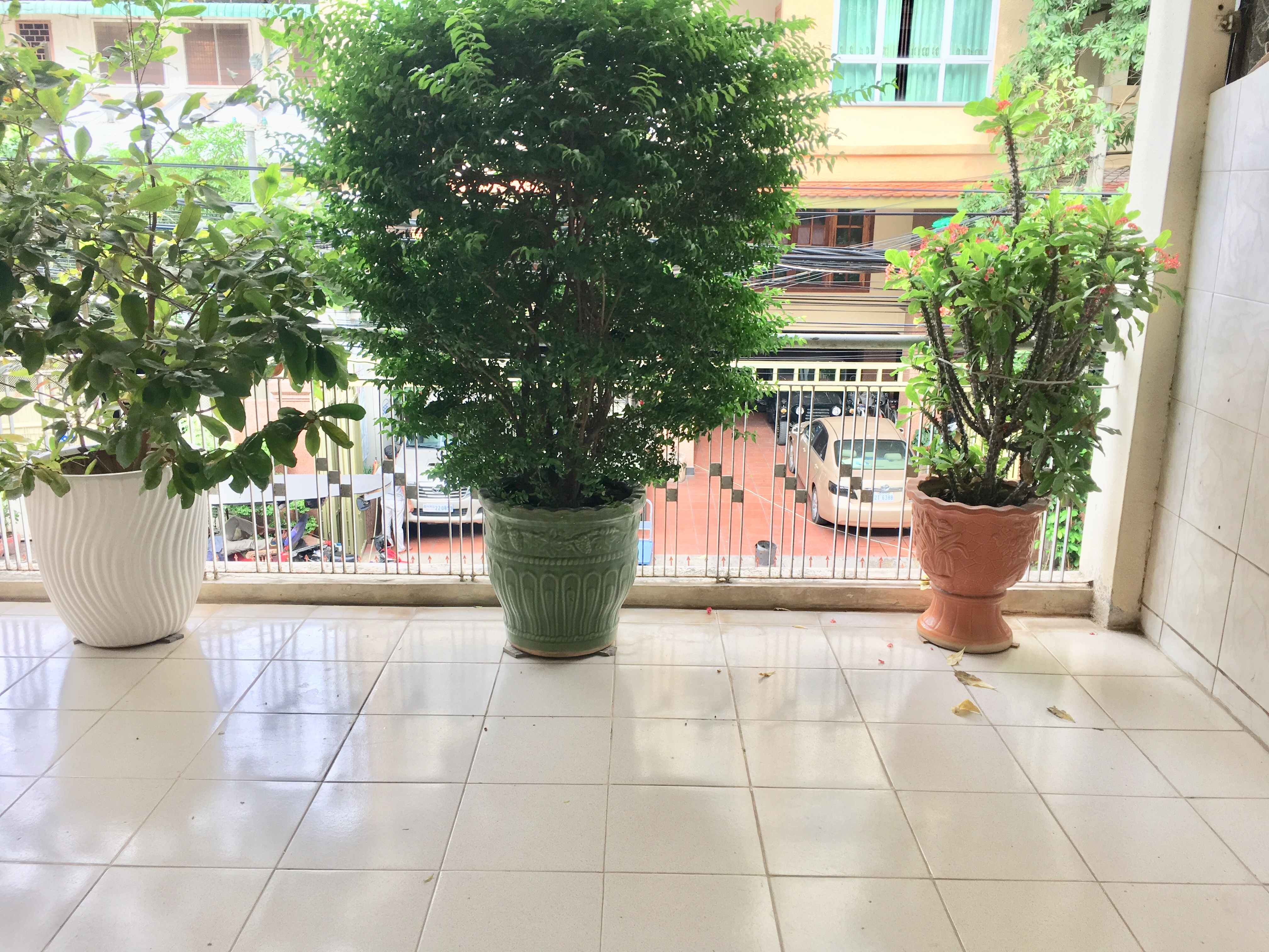 1 Bedroom $350 Beautiful Balcony Furnished Apartment For Rent near Phnom Penh Tower