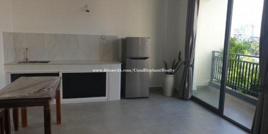 Brand New Western Apartment Studio Room *elevator near Riverside, Naga world