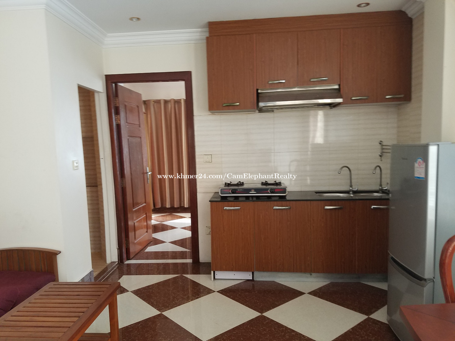 Nice Western Apartment 1bedroom *elevator Russian Market $350