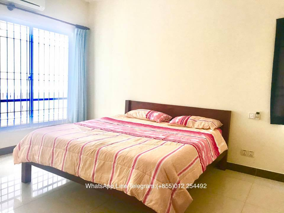 1 Bed 1 Bath Beautiful Balcony Apartment For Rent In Phnom Penh,BKK3