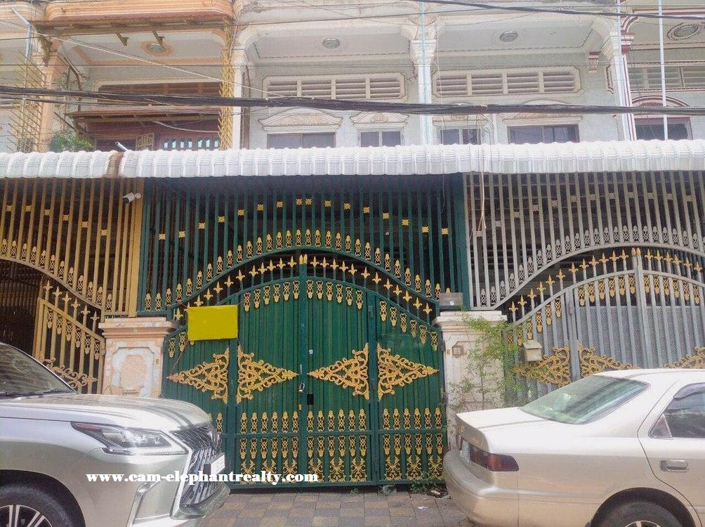 House for Rent near Russia Market