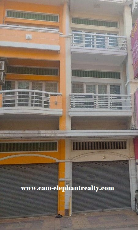 6Bed House for Rent at Tomnob Tuek