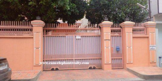 5Bedroom Villa for Rent at Toul Tompong