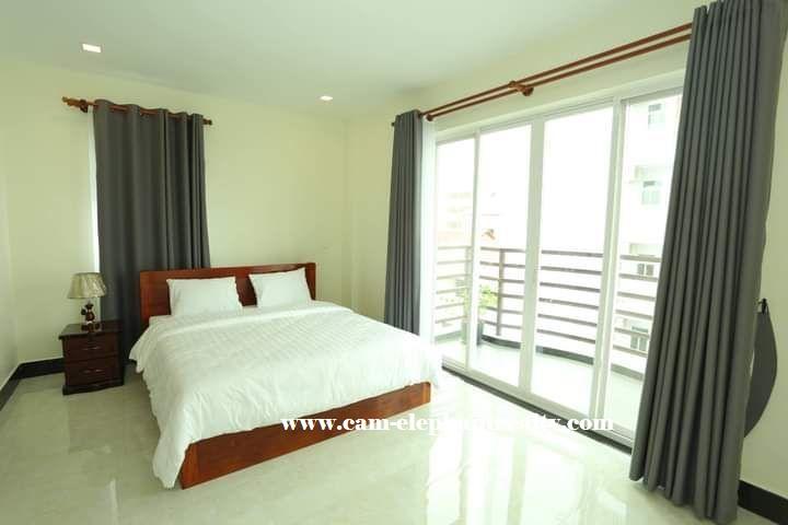 Apartment for Rent at BKK2 (near Toul Sleng)