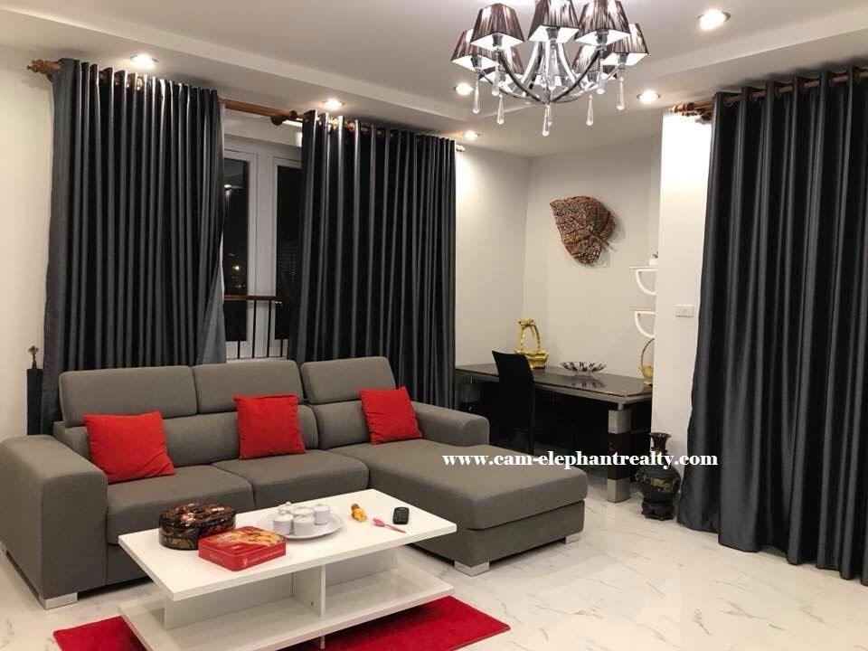 3 bedrooms Condo for Rent (Boeung Pralit)