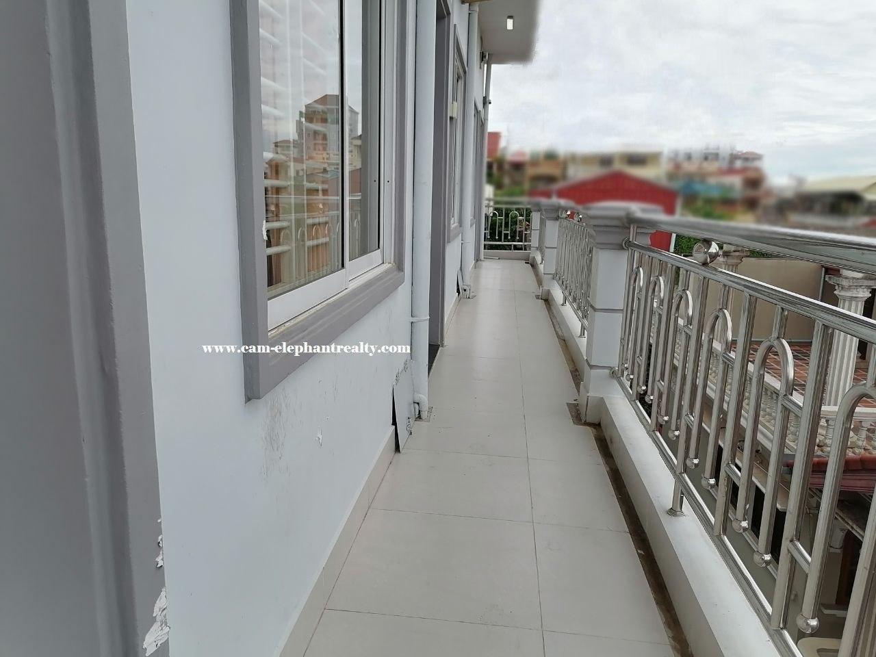 Apartment for Rent at Tuol Tompoung ( Near Russian Market, Amazon Coffee)