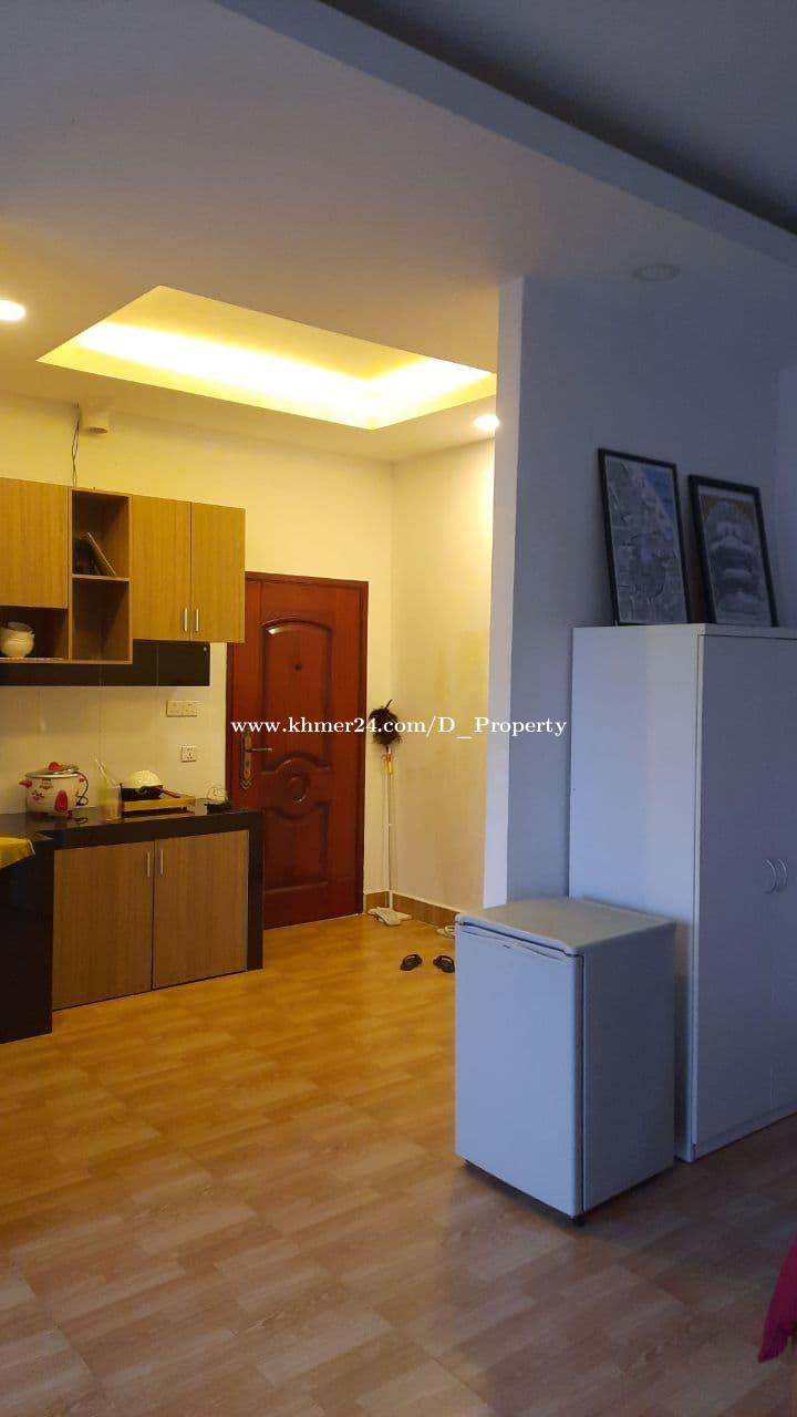 Western Studio room for rent at Boeung Trobek