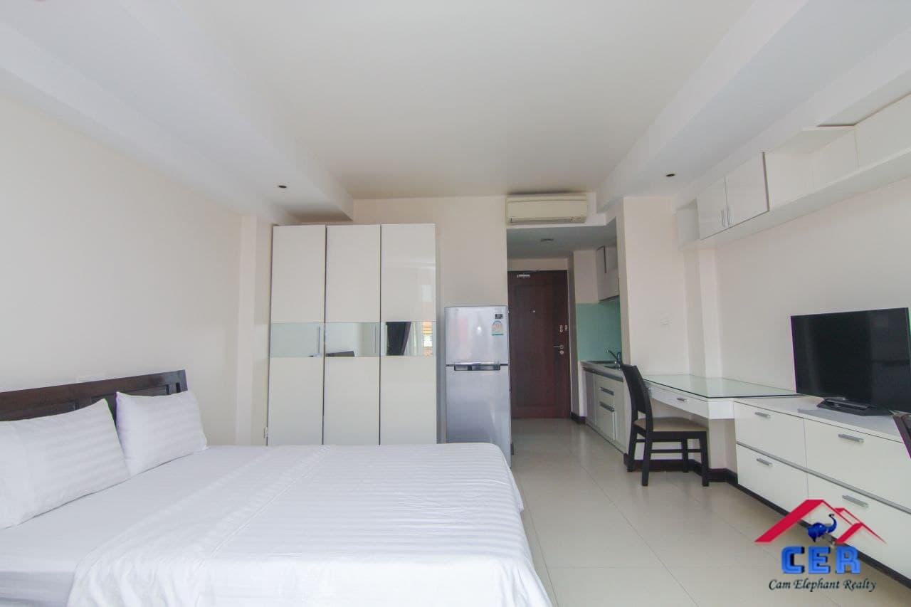 Modern Apartment for Rent (studio room; Tonle Bassac area)
