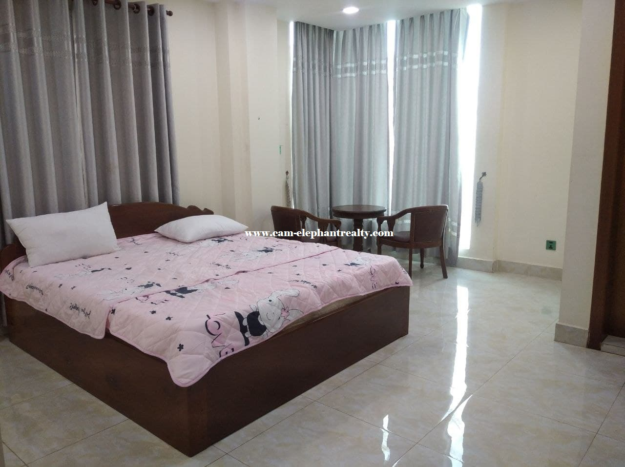 Western Apartment for Rent (2Bedroom: Toul Tompong )