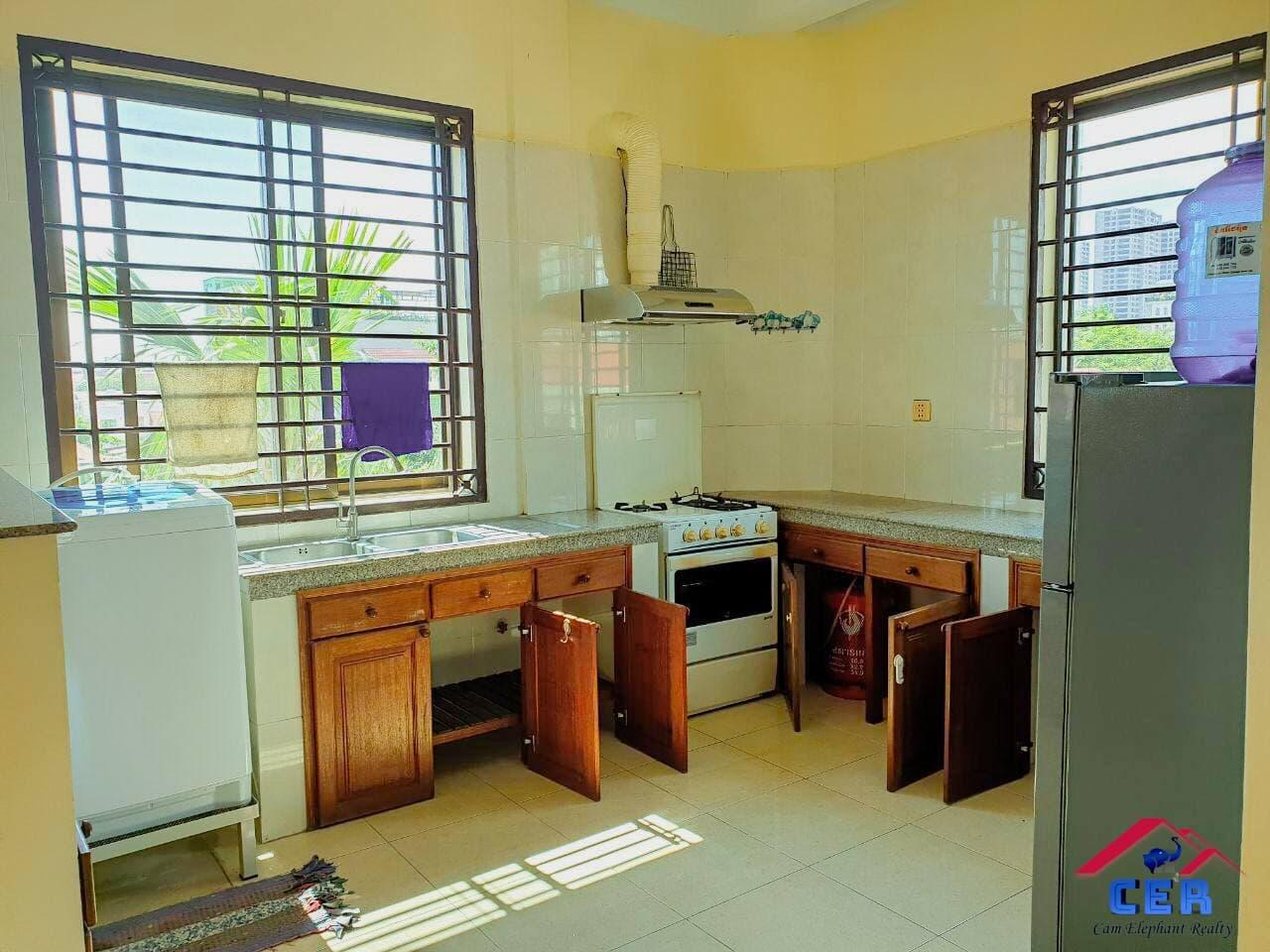 Apartment for Rent (2 Bedroom; BKK1 area)