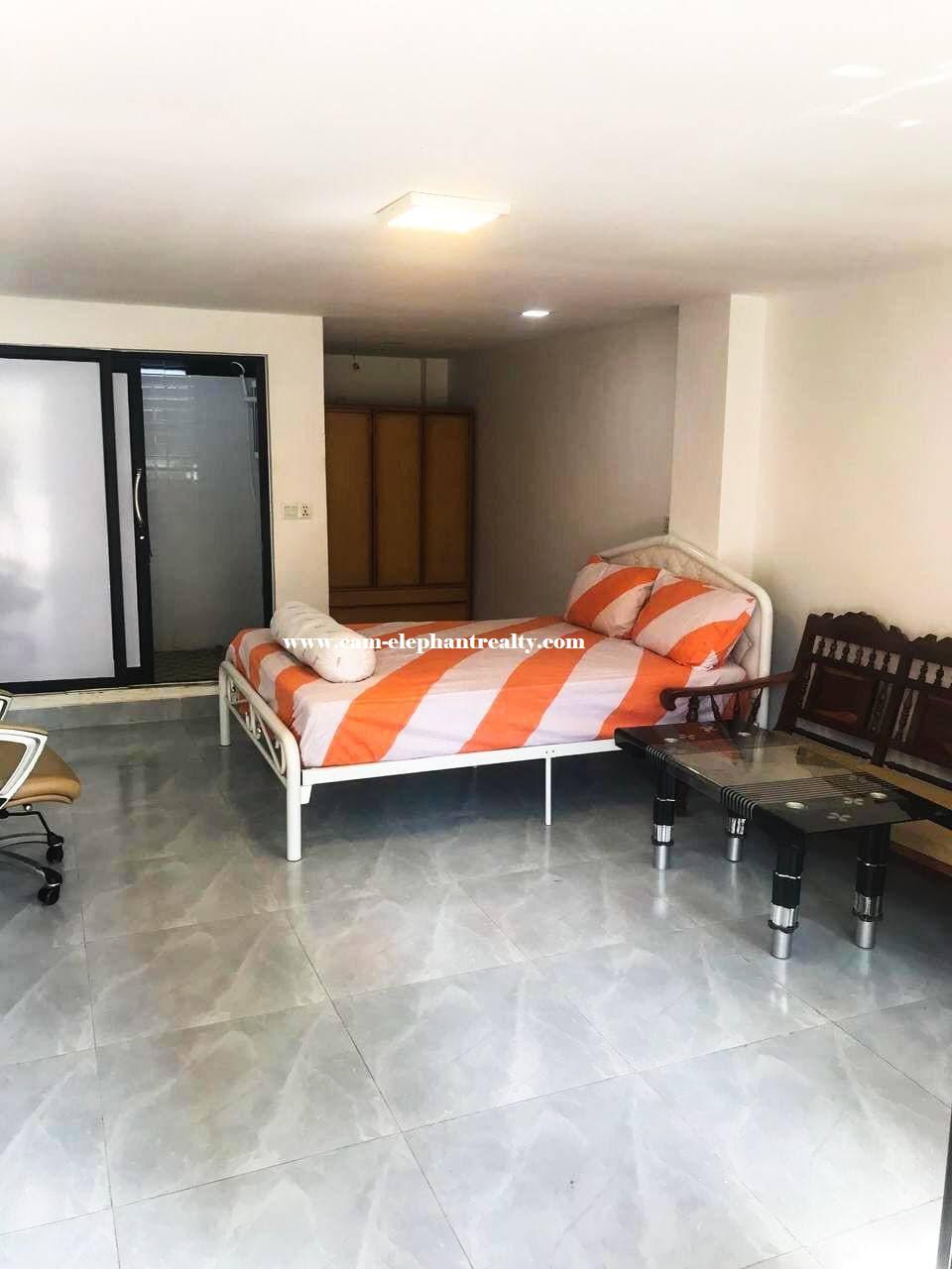 Apartment for Rent (Studio room; BKK1 area)
